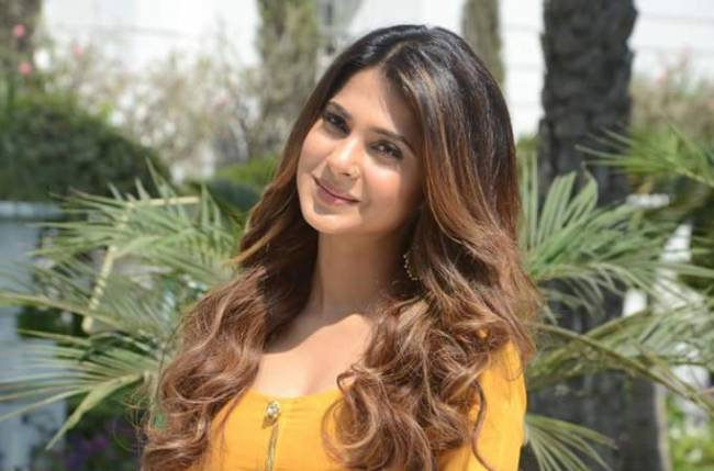 Jennifer Winget Age, Boyfriend, Husband, Caste, Biography ...