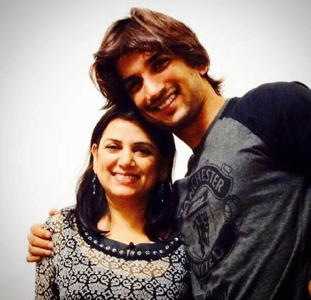 sushant singh with his mother