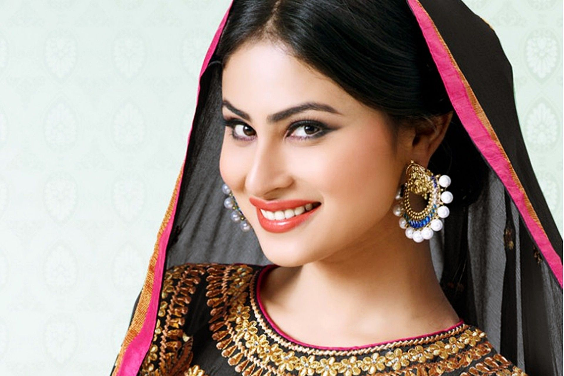 Mouni Roy in Indian Look