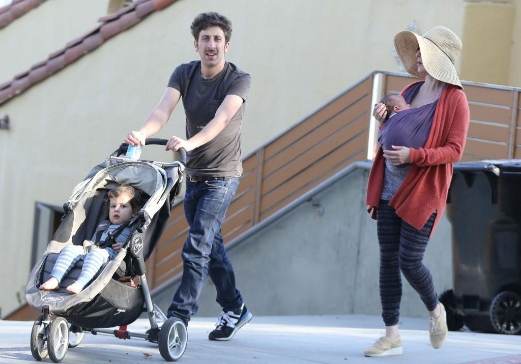 Simon+Helberg+Family